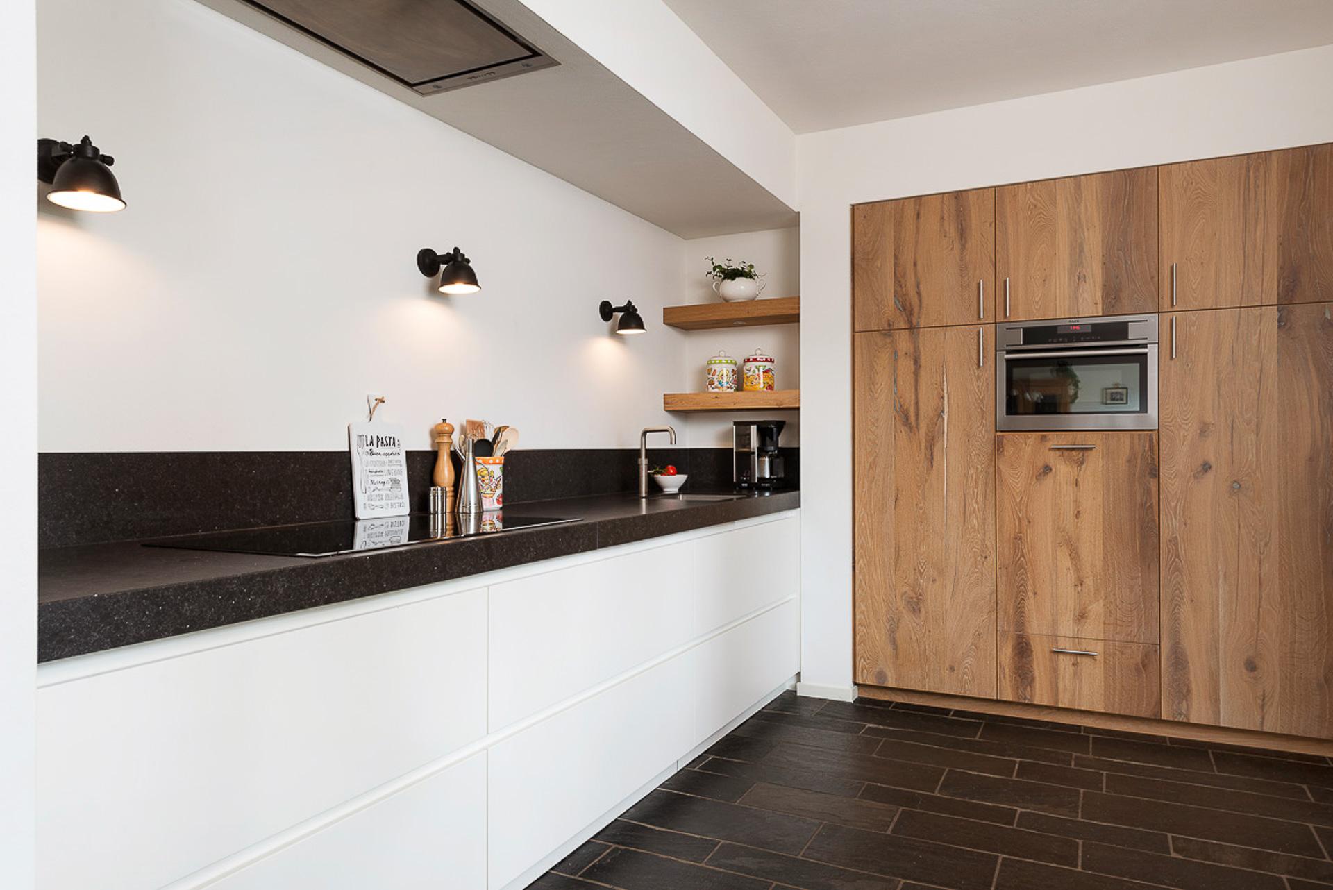 Keuken op maat eiken interieurbouw weert eindhoven interieurbouwer