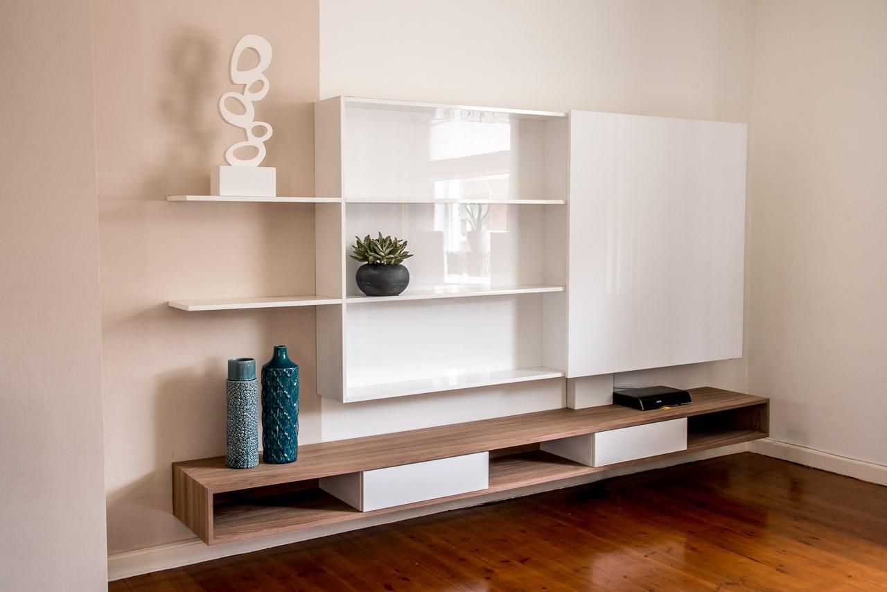 Tv meubel van notenhout met schuifdeur u2013 jm interieurbouw