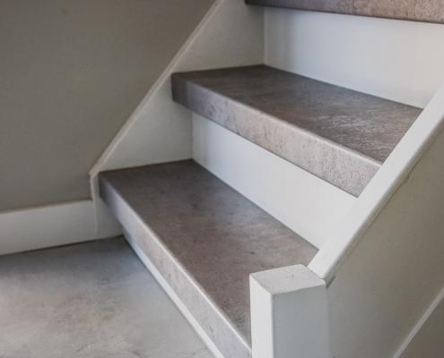 Traprenovatie licht beton traprenovatie Weert jm interieurbouw